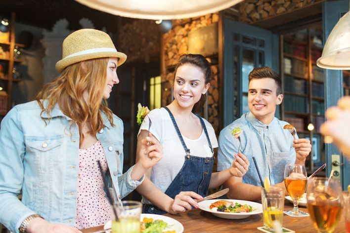 stay-healthy-when-eating-out-01