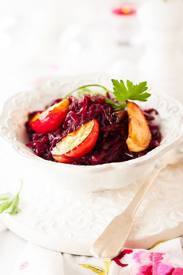 Braised-Red-Cabbage-Apple-and-Raisins