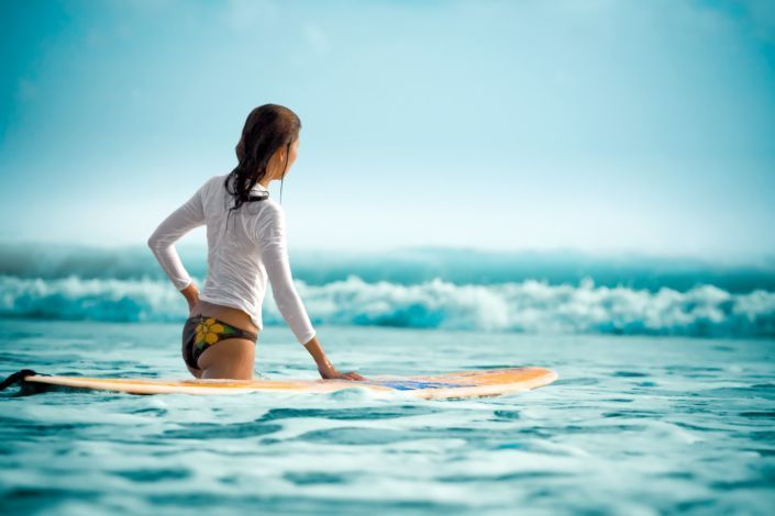 sexy surf girl